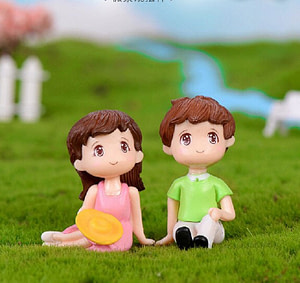Miniature Couple set